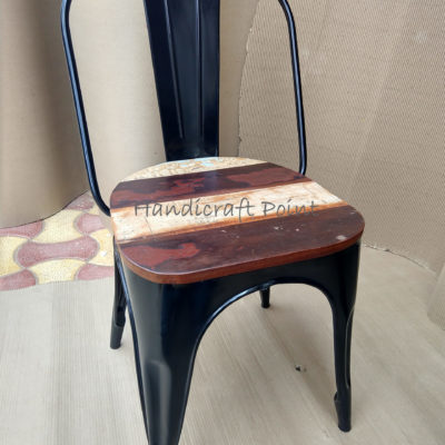 Iron Powder Coated Restaurant Chair with reclaimed wooden seat