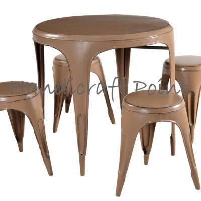 Round Tolix Table with Round Tolix Stools