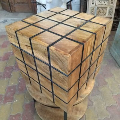 Wooden Dice Shaped Puff